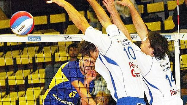 Na tvrdé smeče Milana Moníka budou spoléhat volejbalisté Ústí při domácím utkání s celkem Vavex Příbram.