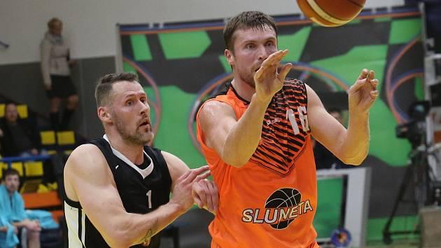 Basketbalový zápas mezi Ústím a Hradcem Králové, Pavel Houška
