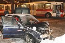 Dopravní nehoda v Tovární ulici.