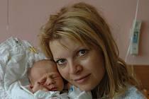 Šárka Burešová, porodila v ústecké porodnici dne 29. 6. 2011 (5.37) syna Adama (49 cm, 2,58 kg).
