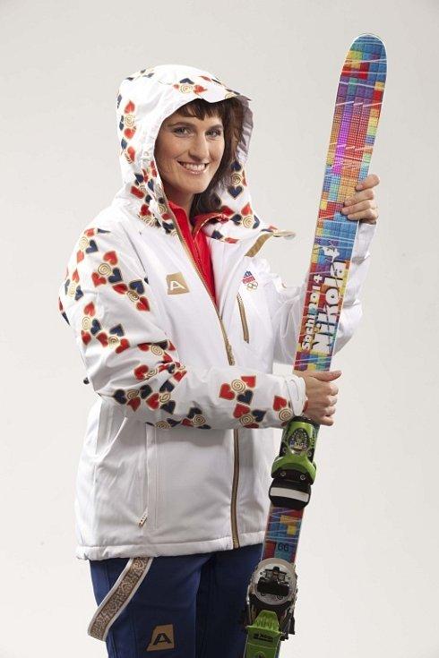Lyžařka Nikola Sudová nejen oblečení představila, ale ještě před tím spolupracovala s jeho tvůrci.