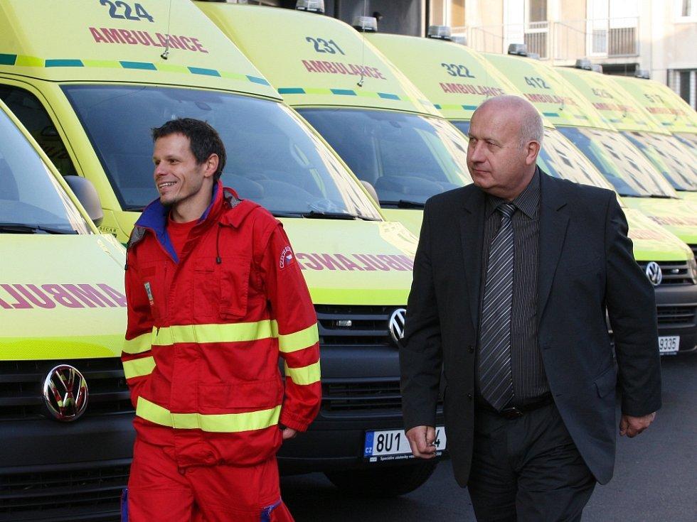 Nové sanitky se příliš neliší od těch, které záchranáři dostali loni.