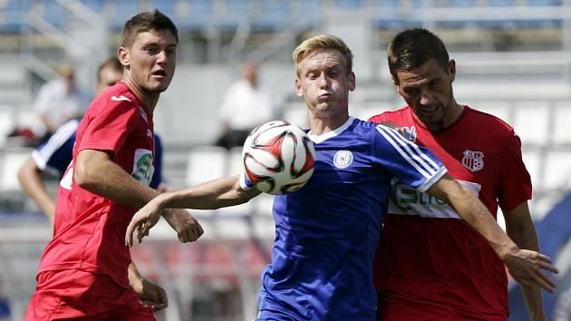 Arma (v červeném) si přivezla z Olomouce tři body.