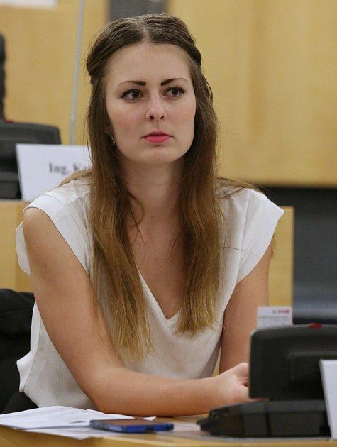 Vysokoškolská studentka Tereza Hyťhová (SPD) zKrupky je nejmladší krajskou zastupitelkou vČeské republice.