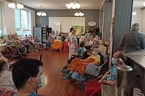 Očkování v chlumeckém domově.