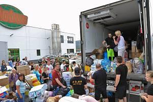 Lidé z Ústí poslali na Moravu kamion plný pomoci.