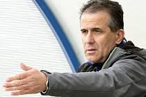 Trenér Přestanova Roman Kratochvíl.