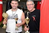 Boxeři z Chlumce letos sbírali jednu cenu za druhou. Vlevo Roman Rusňák.