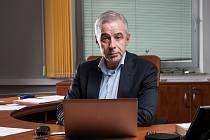 Generální ředitel Krajské zdravotní MUDr. Petr Malý za celou společnost Nadaci Charty 77/Konto Bariéry poděkoval.