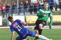 Ústečtí fotbalisté (modří) doma prohráli s Jabloncem 0:2 a v poháru České pošty končí.