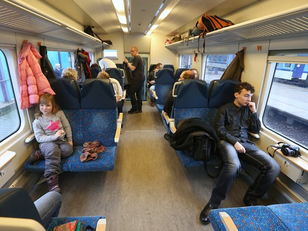 Ústecký kraj vypravil turistické vlaky RegioShark na Moldavu, do hor jedou přes Teplice.
