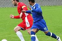 Talentovaný neštěmický útočník Lukáš Krok (vpravo) pomohl svému týmu třemi góly ve druhém dějství k domácímu vítězství 4:1 nad Bezděkovem.