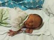 Matyáš Sladký se narodil 5.12. (6.55) Kateřině Antoňové. Měřil 50 cm, vážil 3,22 kg.