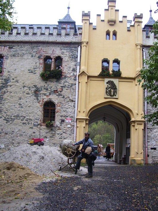 Horní hrad zvaný také Hauenštejn.