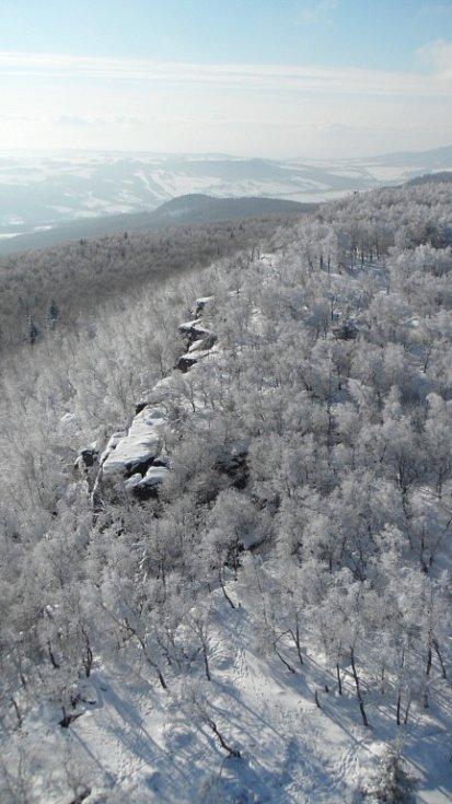 Zimní výlet na Děčínský Sněžník osvěží nejen tělo.