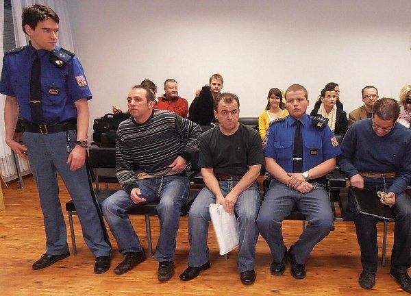 Kušnierz a spol. stanuli opět před soudem.