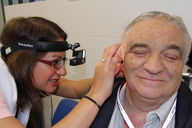 Vyšetření ucha vambulanci ORL provádí MUDr. Veronika Vašaničová.