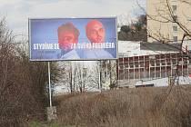 Téměř stovka billboardů lidí, kteří se zapojili do akce Stydím se za svého premiéra, je od poloviny ledna vylepena po celé České republice. Jeden z těchto billboardů se nyní objevil i na ústeckém sídlišti Dobětice.