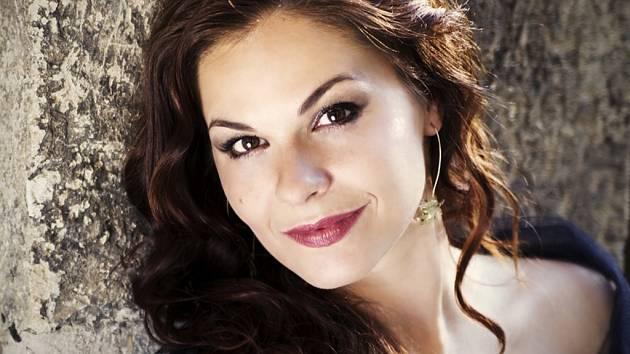 Pěvkyně Eva Horynáková vystoupí v doprovodu Severočeské filharmonie Teplice na zahájení festivalu.