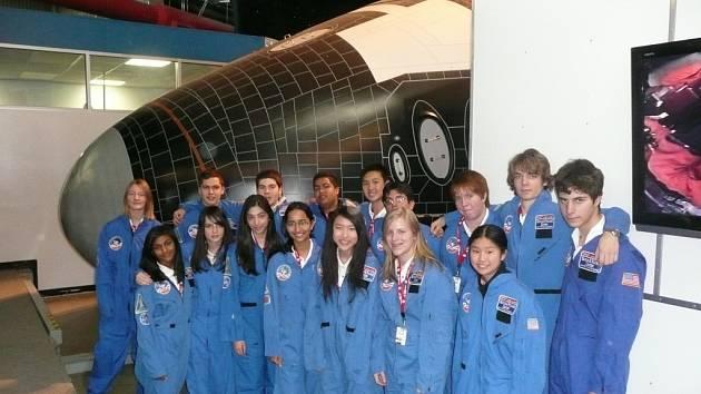 Jako jeden ze šesti mladých Čechů Adam Hejduk absolvoval týdenní stáž ve Space & Rocket Center v Huntsville v Alabamě.