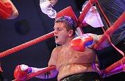 Ústecký boxer Tomáš Šálek zvítězil nad Slovákem Robertem Raczem.