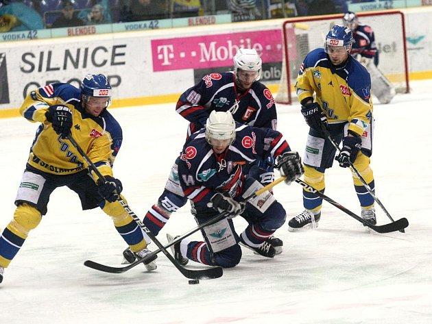 Po vypjaté bitvě s Chomutovem čeká na ústecké hokejisty další utkání, když se představí na ledě Šumperka.
