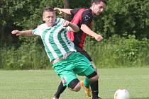 Fotbalisté Libouchce (zeleno-bílí) doma suverénně přehráli Křešice 7:0.