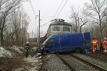 Nehoda vlaku s dodávkou u Řehlovic.