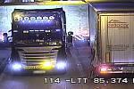 Nehoda kamionu v tunelu na dálnici D8