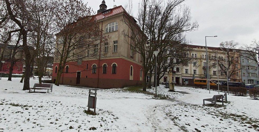 Obvod Střekov v Ústí nad Labem. Pošta, bývalá radnice