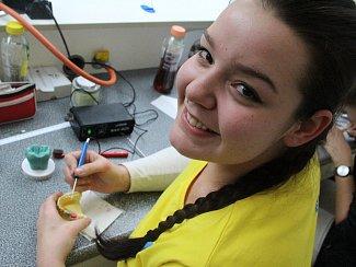 Druhý ročník soutěže středních a vyšších zdravotnických škol v oboru Zubní technik.