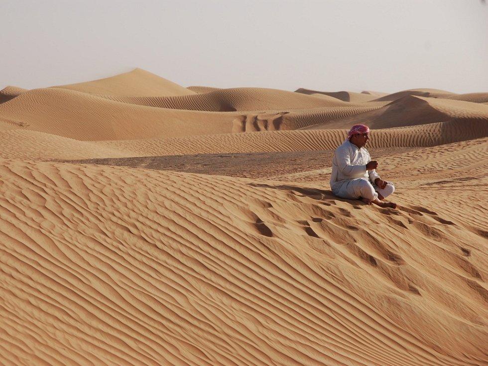 Z projížďky se šejkem po písečných dunách na dovolené v Dubaji ve Spojených arabských emirátech si tento snímek přivezl Ladislav Pertl z Teplic.