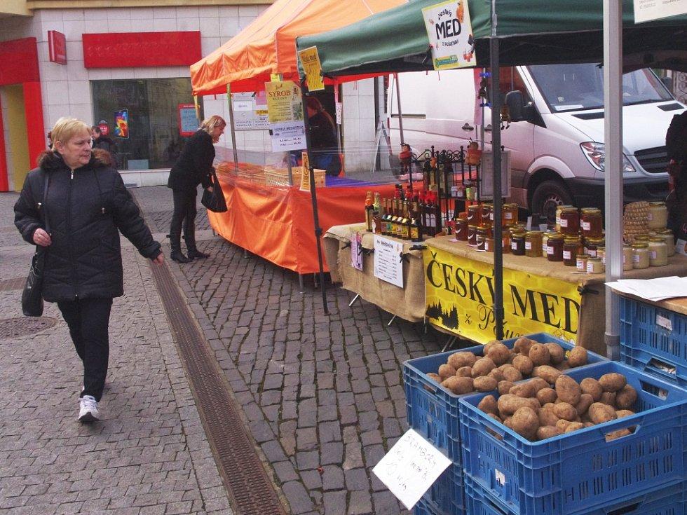 Pátá sezona Severočeských farmářských trhů začala.