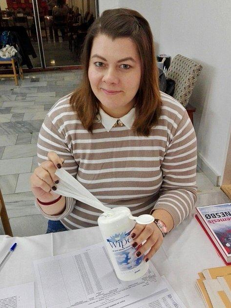 Opatrnosti není nikdy dost, říká členka volební komise Monika Ryšlinková.