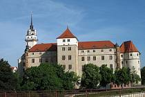 Zámky Pillnitz a Hartenfels stojí za návštěvu i v této době.