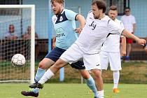 Fotbalisté Chuderova (v bílém) porazili doma Přestanov 6:0.