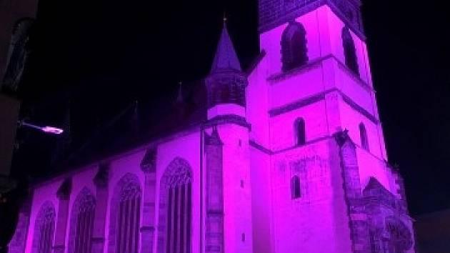 Kostel Nanebevzetí Panny Marie v Ústí nad Labem ozdobí barevná světla