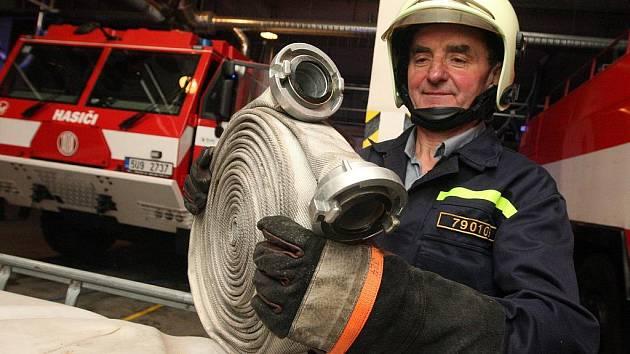 """""""Užil jsem si. Je čas v nejlepším přestat,"""" říká Miloslav Tomaškovič, který sloužil u hasičů 42 let."""