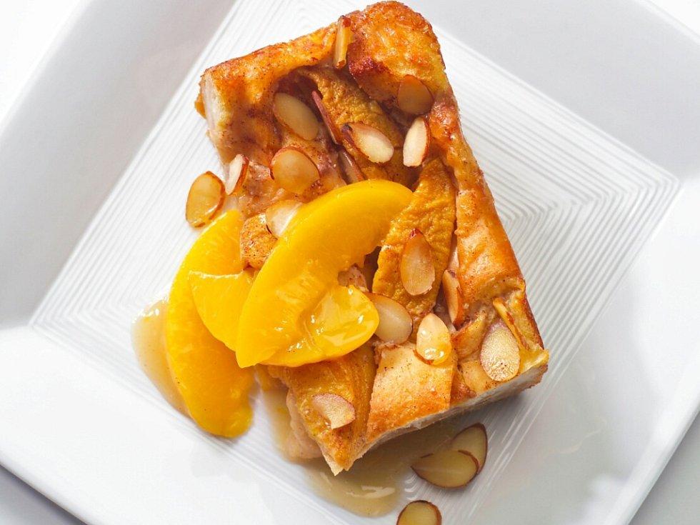 Konopný dort s meruňkami