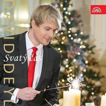 Stromek, dárky, swing. Toť nový vánoční videoklip Svatý čas.