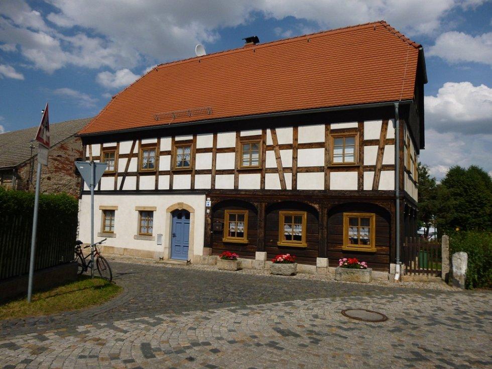 Stará škola v Hartavě.
