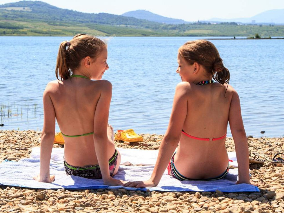 Jezero Milada začali vyhledávat milovníci přírodního koupání.