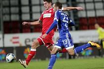 Ústečtí fotbalisté (vzadu Michal Leibl) se v Olomouci srdnatě prali s nepřízní osudu. Marně, prohráli 0:5.