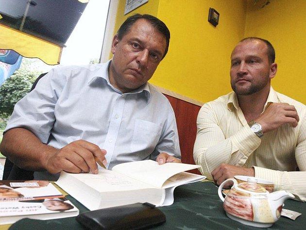 Jiří Paroubek nedávno podepisoval v Ústí nové knihy.