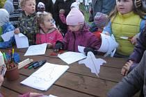 Dušičkovou slavnost se rozhodli letos poprvé uspořádat na MŠ a ZŠ v Brné.