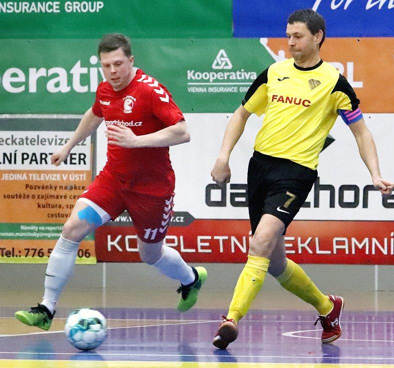 Rapidu Ústí (žlutočerní) se podařilo v dohrávce 15. kola 2. ligy zdolat Pampuch Liberec (červení) těsně 6:5. Martin Dlouhý