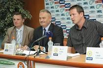 Na tiskové konferenci FK Teplice byly představeny nové dresy pro nový ročník Gambrinus ligy. Za vedení zde byli ředitel FK František Hrdlička, trénér Jiří Plíšek a kapitán mužstva Petr Lukáš. Ti odpovídali novinářům na dotazy.