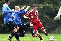 Fotbalisté Neštěmic (červení) doma porazili Březno 3:1.