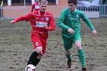 Ústečtí fotbalisté (červení) prohráli v generálce s Vltavínem 1:4.