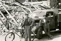 Ústecké ulice těsně po válce. Jejich obnova trvala víc, jak deset let a odstraňování škod změnilo samotnou tvář města.